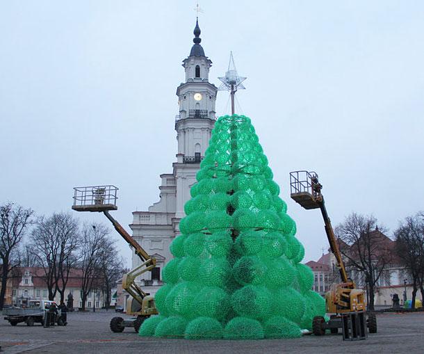 Ехо елха от рециклирани бутилки Спрайт в защита на природата (5)