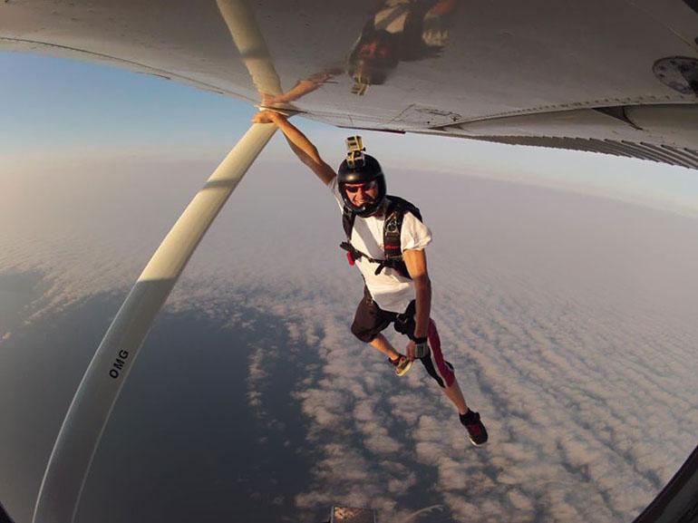 Екстремни приключения - скачане с парашут