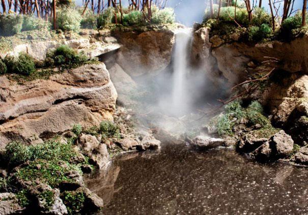 Диорама на водопад с готварска сол
