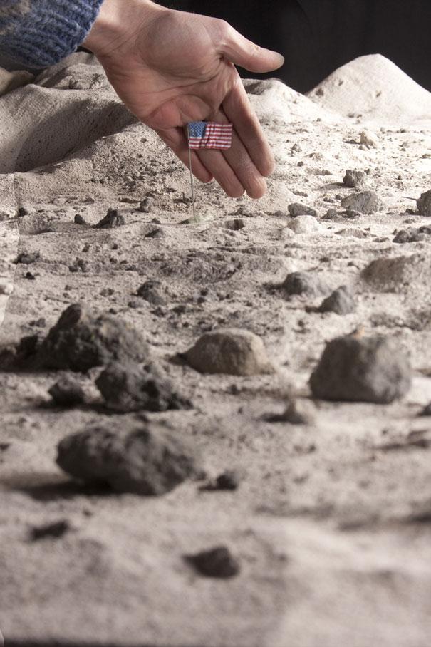 Диорама на лунен пейзаж - Матю Албанез