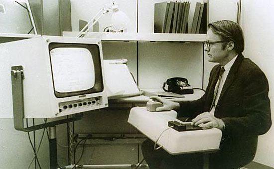 инженерът Бил Инглиш