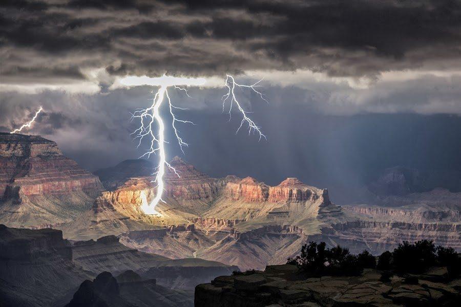 Светкавици в Гранд Каньон