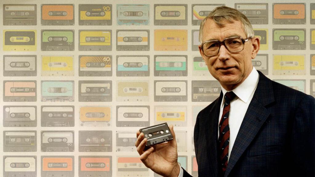 Почина създателят на първата аудиокасета в света - Лу Отенс